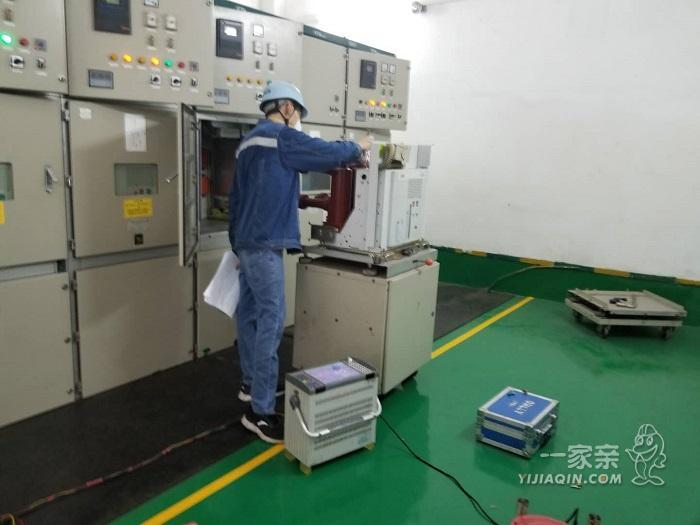 为避免医患矛盾,广州华侨医院定期进行配电房维保